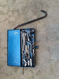 Various tools, make an offer.