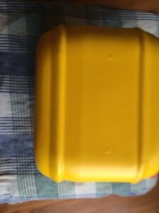 Two (2) Yellow 10L jerry cans for chlorine