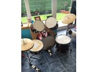 7 piece drum kit. Good condition.
