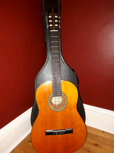 Price Reduced! Hondo Acoustic Guitar