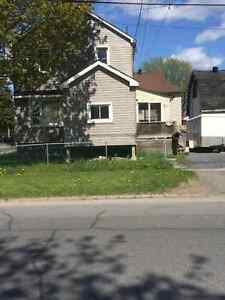 House for rent on 779 york st cornwall ont