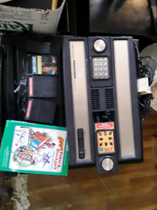 Mattel  Intellivision console with 4 games