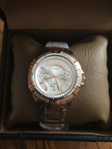 Ladies Guess watch collectable item - NEW