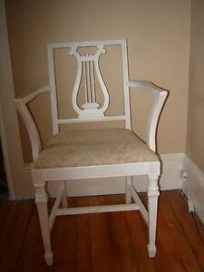 GREAT VINTAGE TABLE AND CHAIR UPSCALING PROJECT