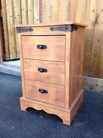 Set of drawers and bedside tables