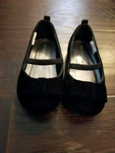 7T toddler black velvet ballet flats