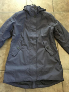 Ladies Helly Hansen Ardmore Parka. Size small. Brand new w/o tag