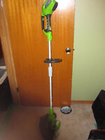 40V Cordless Weedeater (1/2 season used)