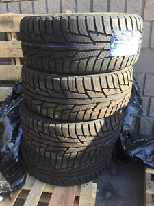 Four New 255 / 55 R18 Zeta Antarctica Xice 6 Winter tires