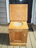 Antique Chaise Toilette 1850-1890 en Pin Clous Carrés