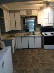 3 Bedroom Unit/House- Available Feb.21 or Mar 1 for $995/month. Cambridge Kitchener Area image 2