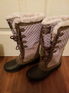 The North Face womens winter size 8