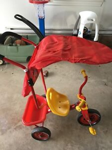 CARS Tricycle w/Parent Handle