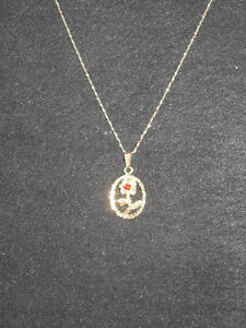 "10kt yellow gold ""Ruby"" Rose Pendant (Chain not included)"