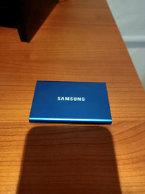 Samsung T7 2TB External SSD drive with Thunderbolt 3 cable