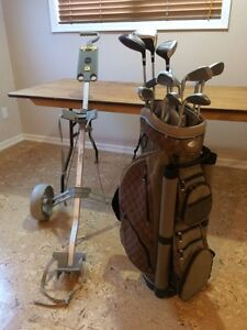 Ladies R/H World Tour Inspire Golf Clubs, Bag, and walking cart