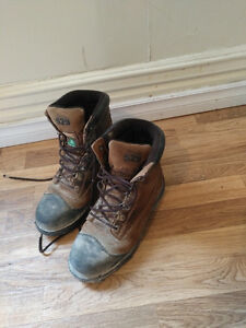 Dakota 529 steal toead work boots
