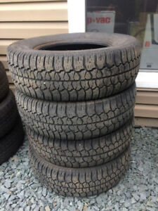 (4)  205/70r14 Winter tires For 120$ !