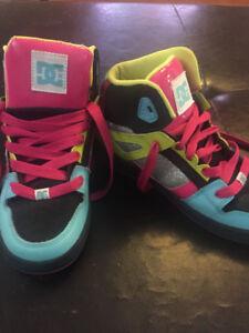 EUC Girls size 4 DC skateboard shoe