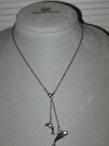 ....A CHARMING LITTLE DOLPHIN 11-INCH SILVER NECKLACE....