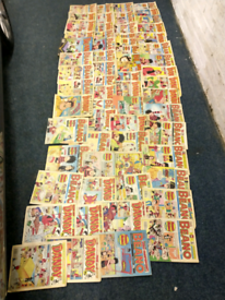 Vintage collection of Beano/dandy annuals and magazines