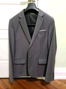 Grey Mens Suit (Medium)