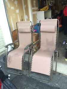 2 gravity chairs $60 Kitchener / Waterloo Kitchener Area image 1