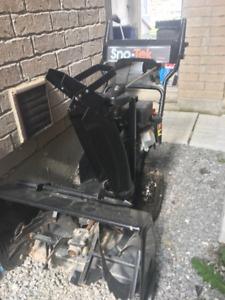 Winter is coming! 136cc Snowblower FOR SALE