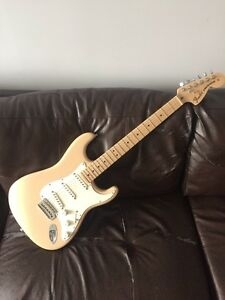 American Highway One Stratocaster