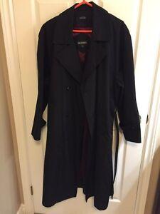 Black trench coat (size 40 Regular)