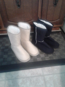 2 pairs of ladies' winter boots
