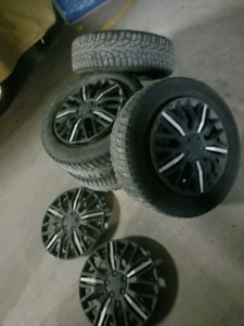 Hubcaps for car tire. Was on 16 inch tires