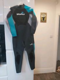Ladies Size 16/18 wetsuit £16 ono