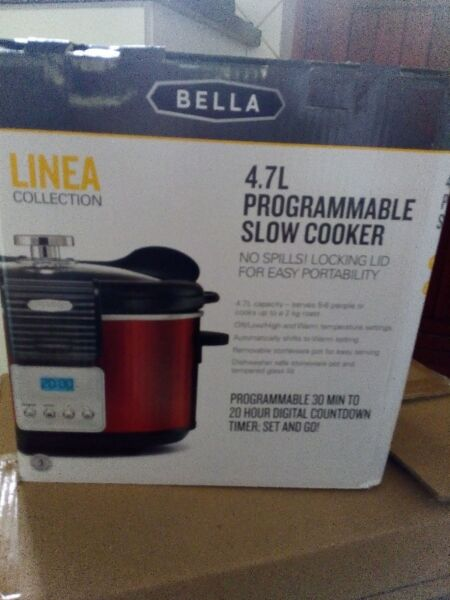 Brand new 4.7 kg Bella Slow Cooker for sale