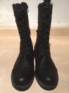Women's Tall Black Boots Size 7 London Ontario image 3