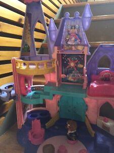 Lot de jouet château de princesse Saint-Hyacinthe Québec image 8