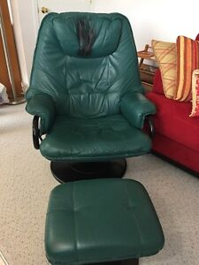 leather recliner with foot stool
