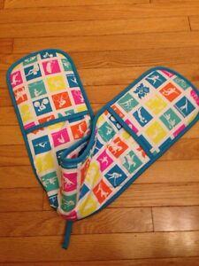 London 2012 olympics double oven mitts - one piece