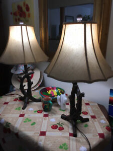 Gorgeous table lamps.