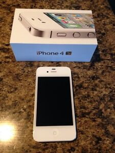 MINT CONDITION - iPhone 4S - Can Deliver