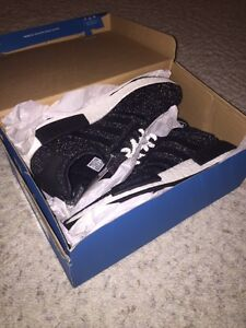 NMD R1 REFLECTIVE size 11.5