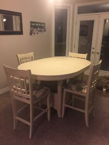 Refinished pub style Table and Chairs  Kitchener / Waterloo Kitchener Area image 1