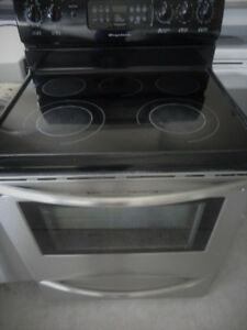 SS Frigidaire Glass Stove in Great Condition
