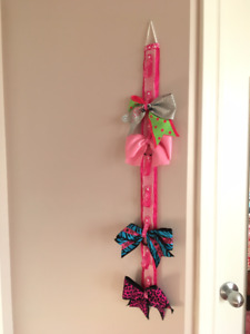 Hair Bow Holder (pink) - and 4 bows
