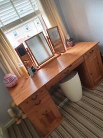 Dressing table/ Computer Desk/ 3 Mirror / storage stool