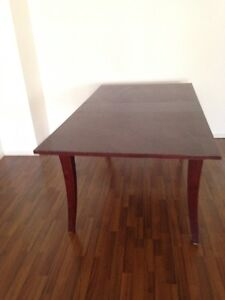 Dining wood table for Sale