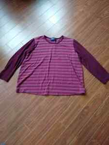 Long sleeve maternity top in size XL
