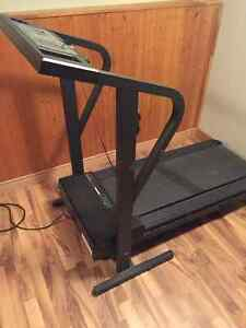 Weslo Cadence DX10 Treadmill Peterborough Peterborough Area image 1