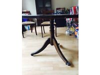 Mahogany effect table with 4 chairs and 1 carver