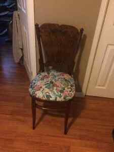 antique accent chair - excellent condition